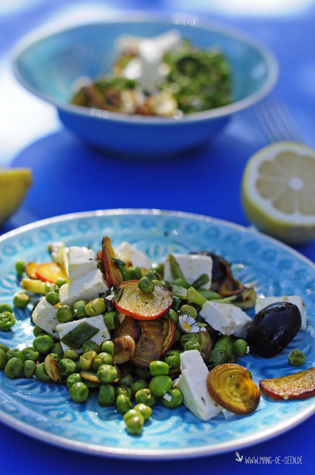 Erste Ernte aus dem heimischen Gemüsebeet…klein aber fein wird daraus ein lauwarmer Gemüsesalat - Kochen macht glücklich