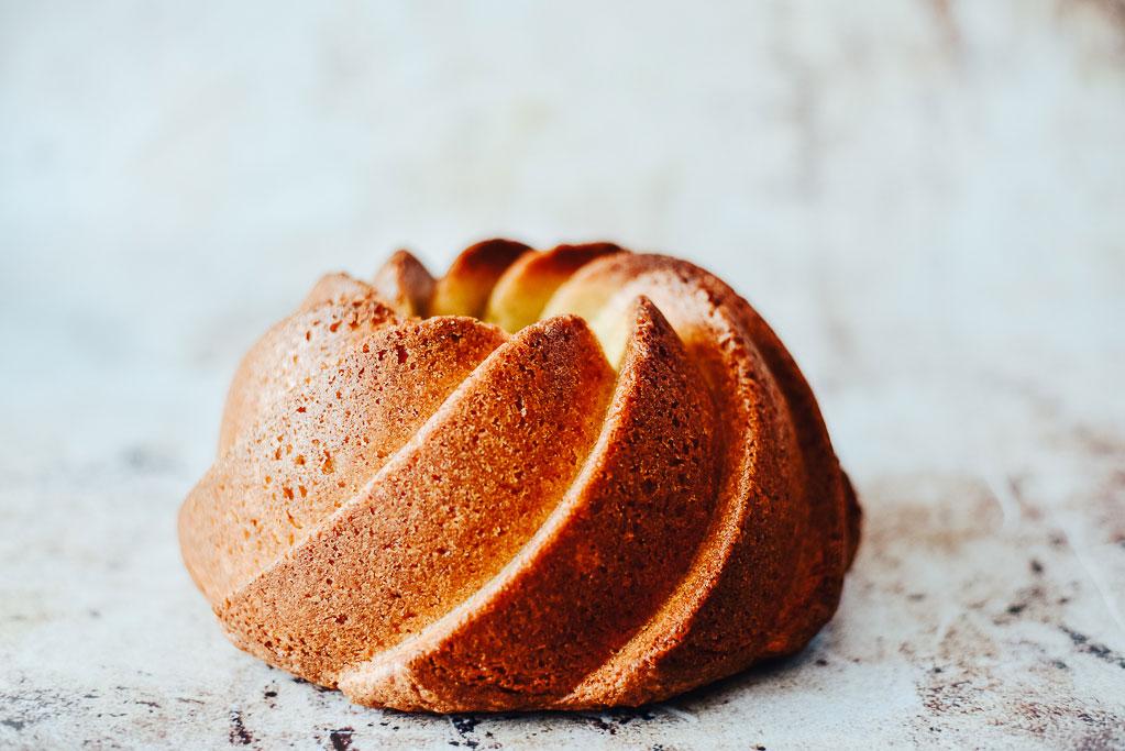 Rührkuchen saftig und lecker. So muss ein Rührkuchen schmecken und mit diesem Rezept wird er perfekt.